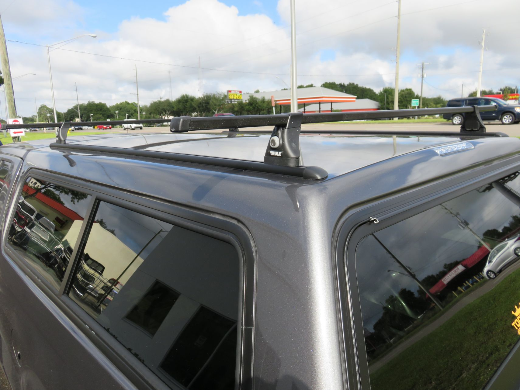 Thule Tracker II Roof Rack & Thule Tracker II Roof Rack - TopperKING : TopperKING | Providing ...