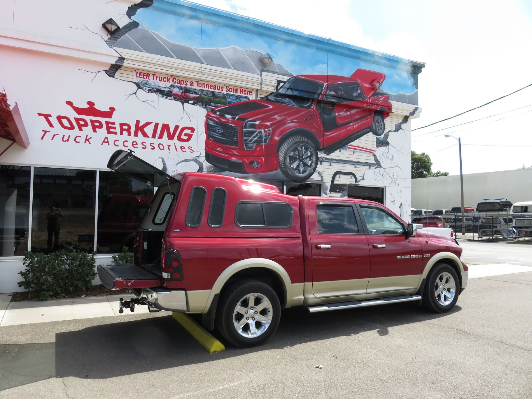 Dodge RAM 1500 Ranch Supreme topper and a Pendaliner Bedliner by TopperKING in Brandon, FL 813-689-2449 Call today to start on your truck!