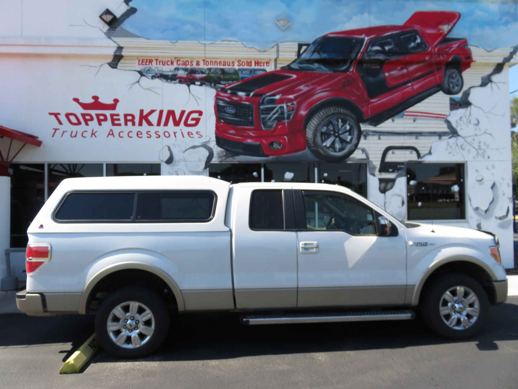 2008 Ford F150 With LEER 180 Custom Hitch And Running Boards By TopperKING