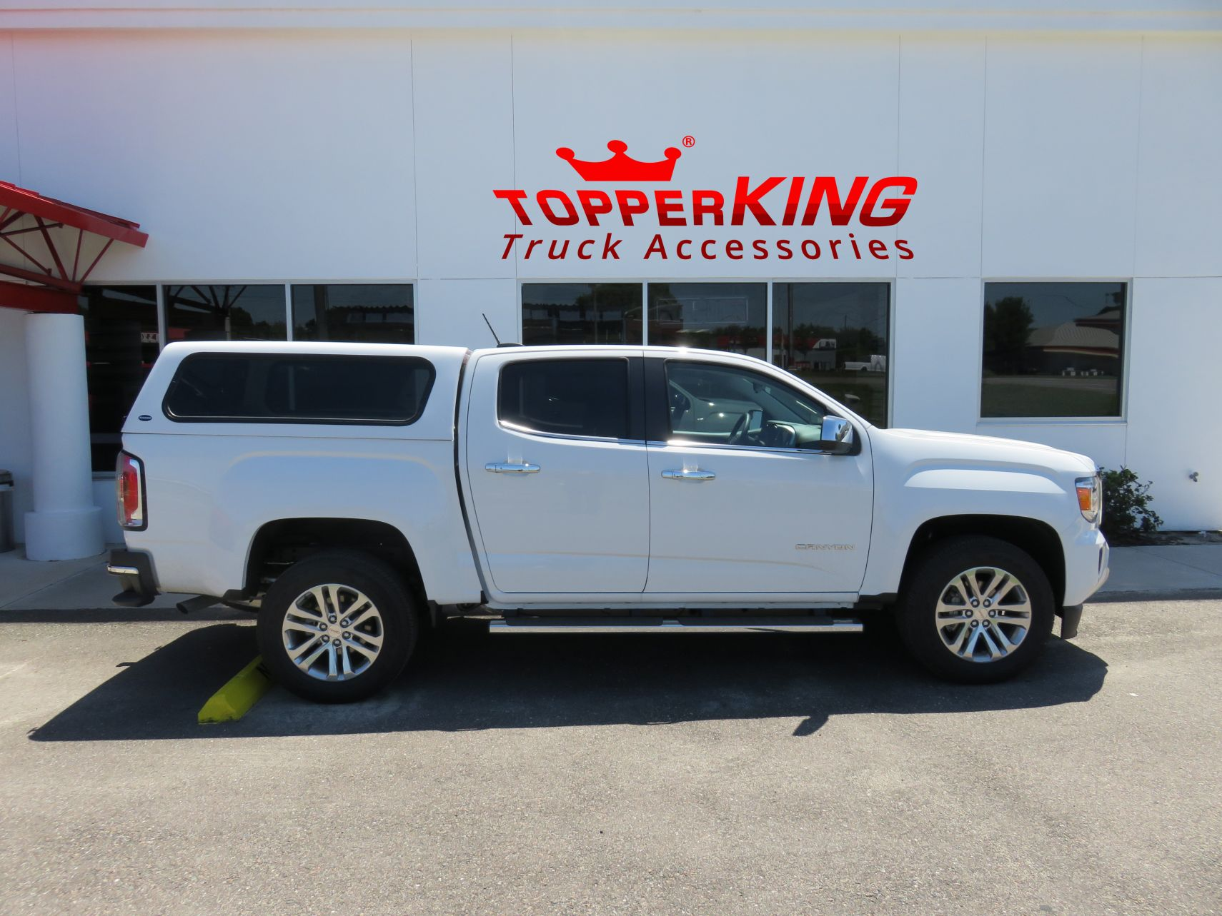 GMC CanyonRanch Echofiberglass topper from TopperKING by TopperKING in Brandon, FL 813-689-2449 Call today to start on your truck!