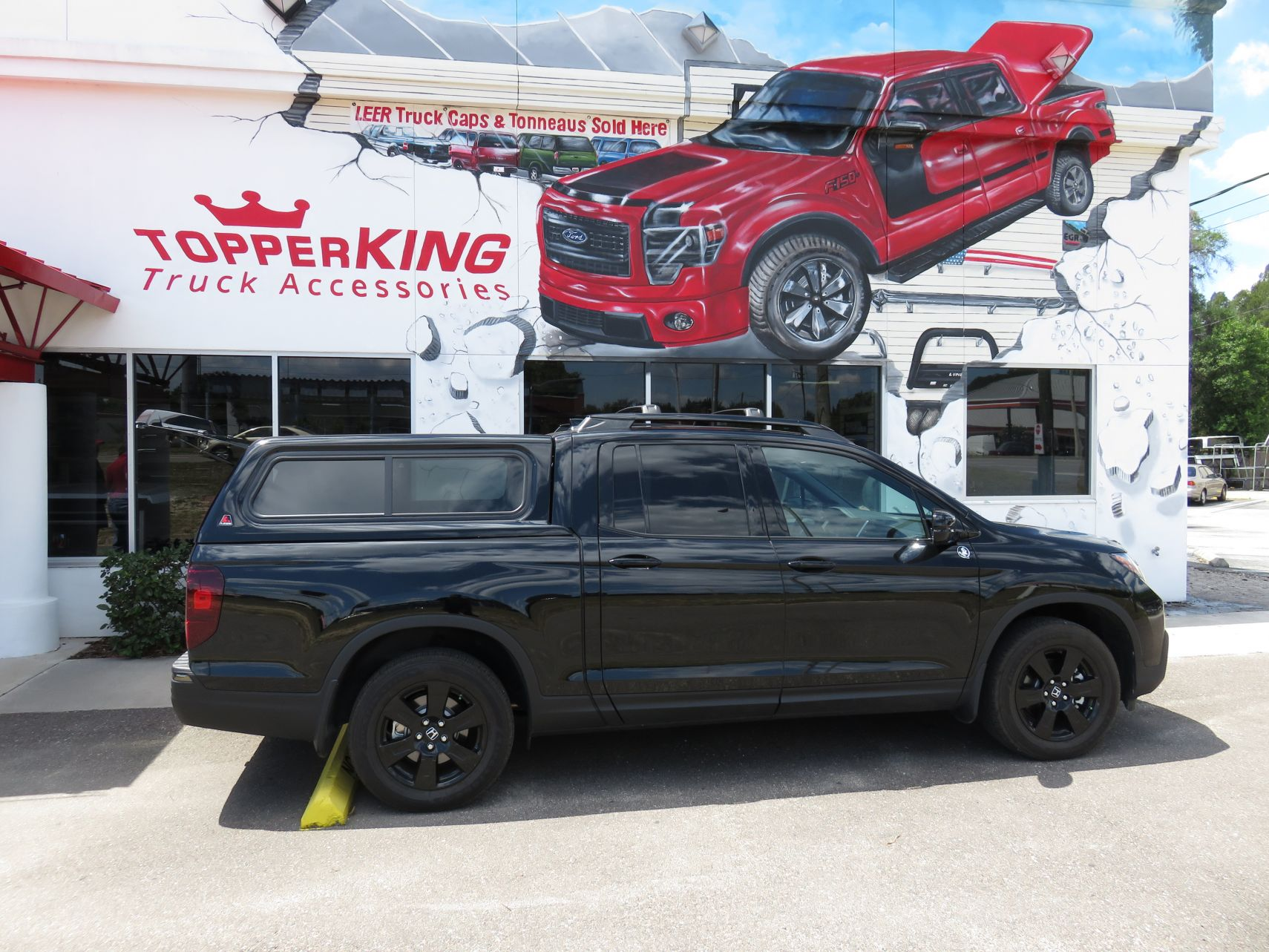 2017 Honda Ridgeline with LEER 100XR fiberglass topper, Roof Racks, Hitch, Tint by TopperKING in Brandon 813-689-2449 or Clearwater 727-530-9066. Call now!
