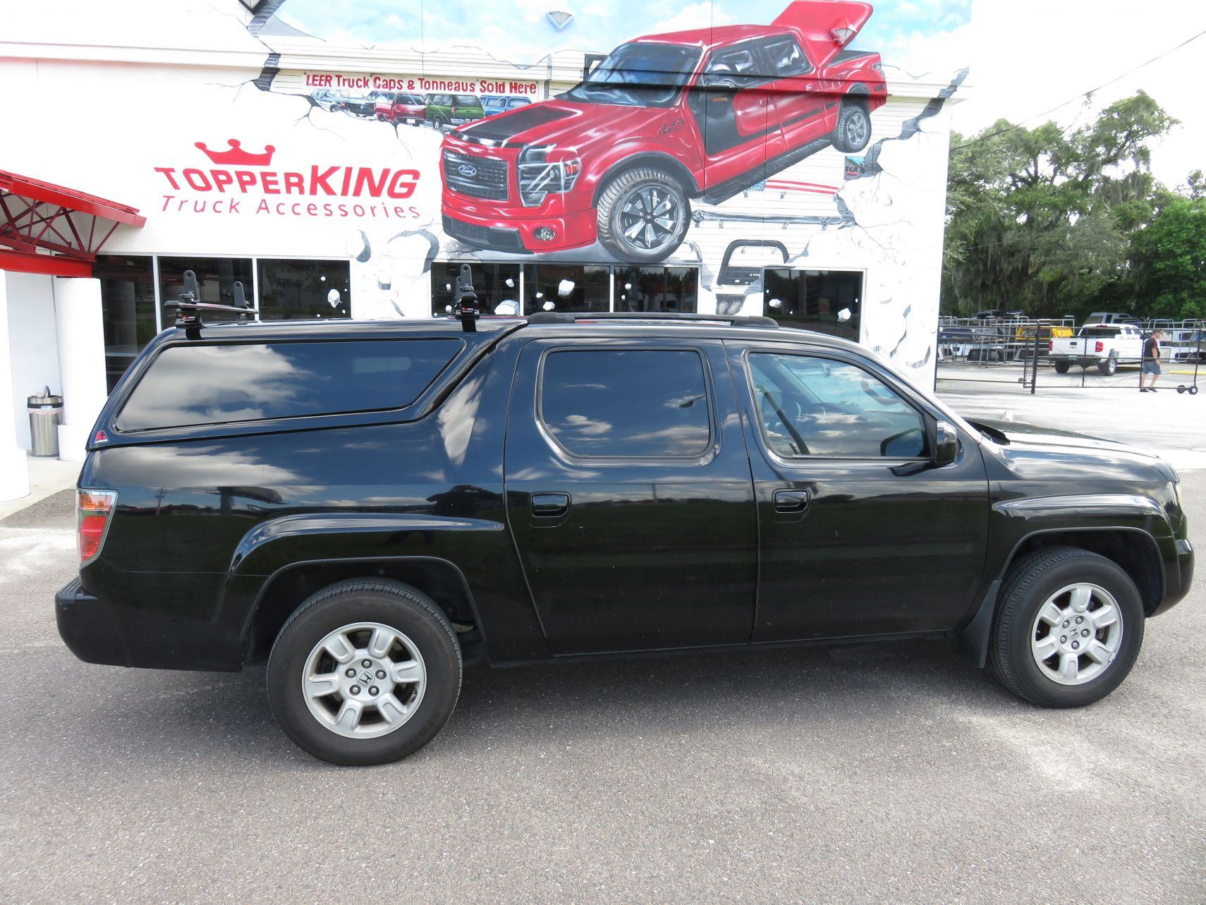 2007 Ridgeline with LEER 100XQ, Roof Racks, Hitch, Tint by TopperKING in Brandon, FL 813-689-2449 or Clearwater, FL 727-530-9066. Call today!