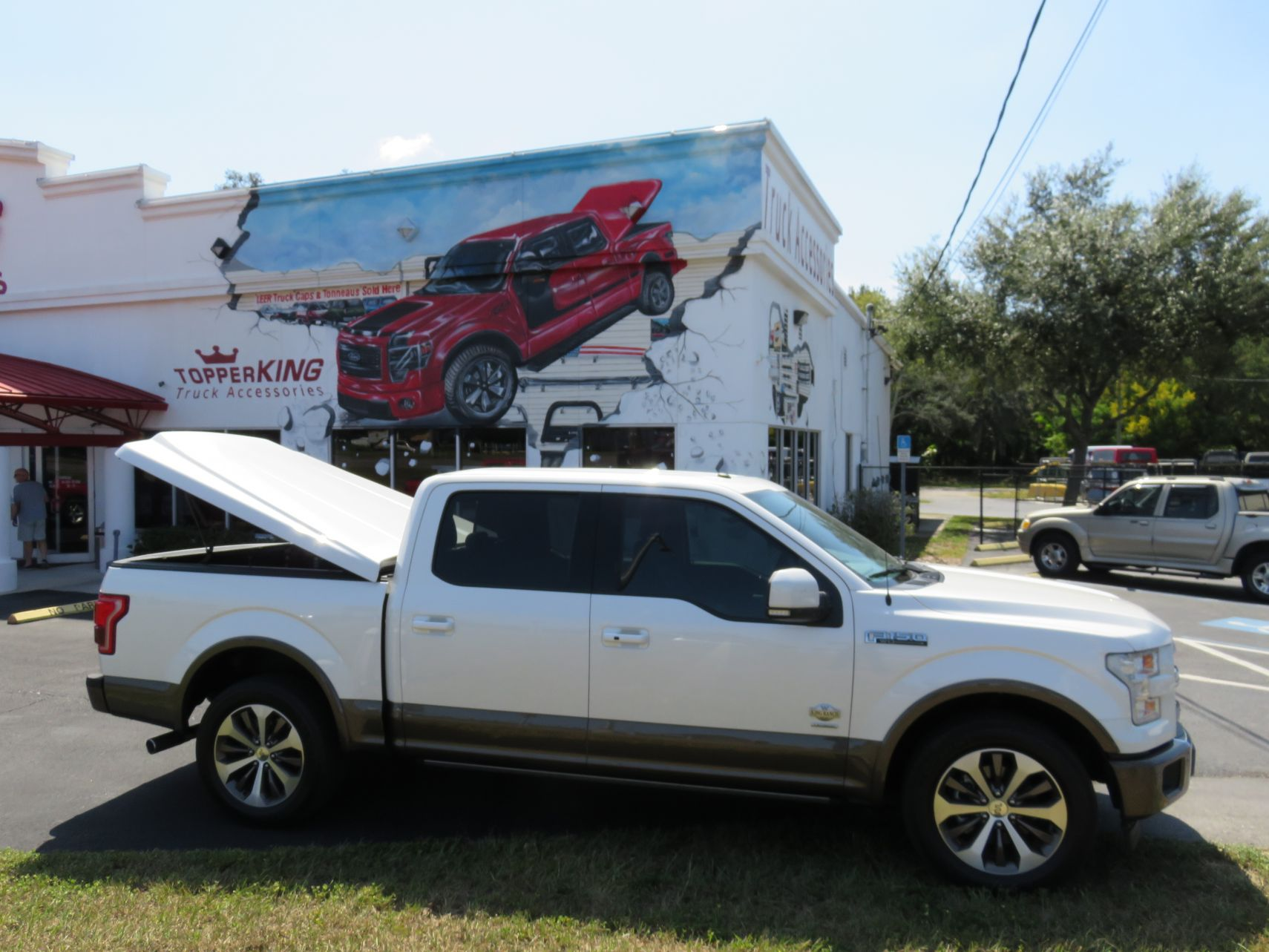 2019 F150 LEER 700, Hitch, and Tint by TopperKING in Brandon, FL 813-689-2449 or Clearwater, FL 727-530-9066. Call today to get started!